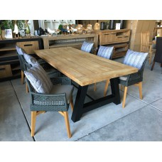 """Dining set Industrial """"220"""" incl 6 Tuinstoel Vancouver taupe"""